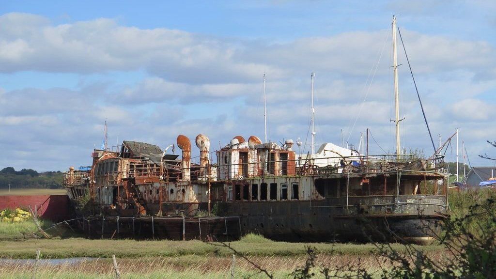 Collapse of PS Ryde paddle steamer halts restoration