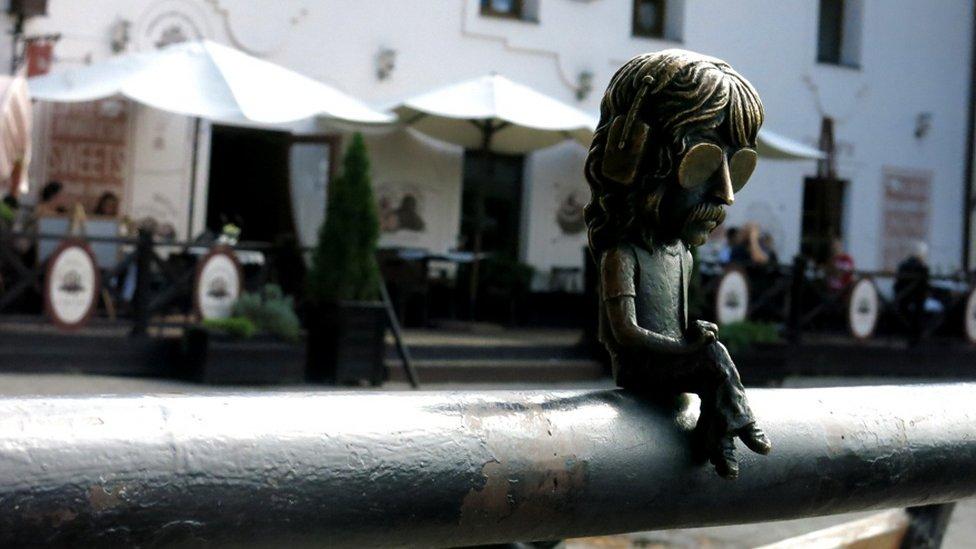 Міні-скульптура Джону Лорду