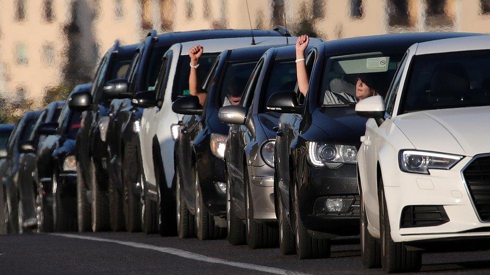 demonstrante su podrzali i vozaci