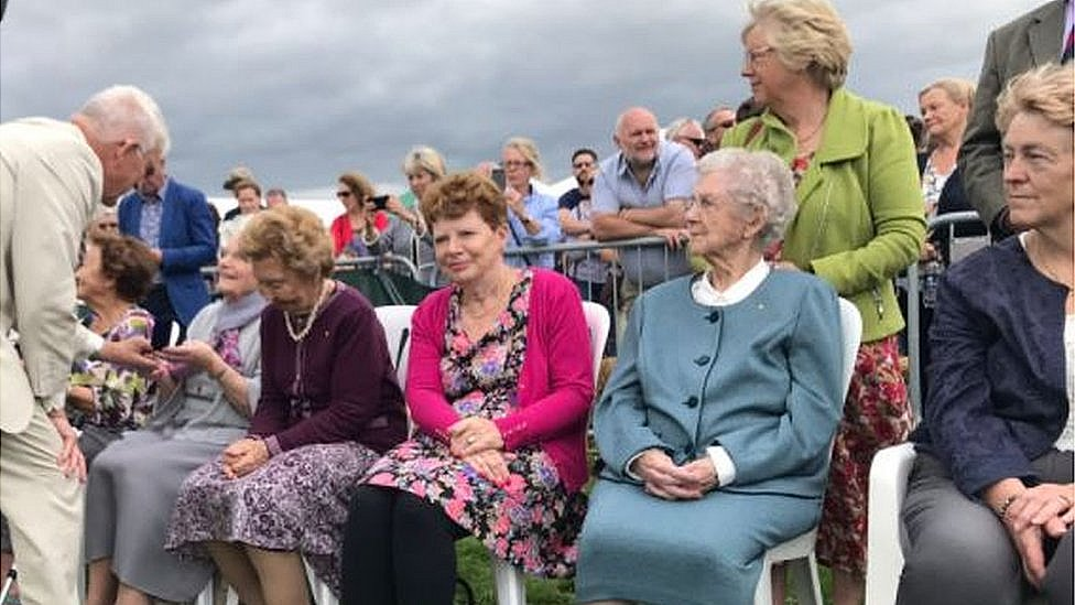 The munitions workers being honoured