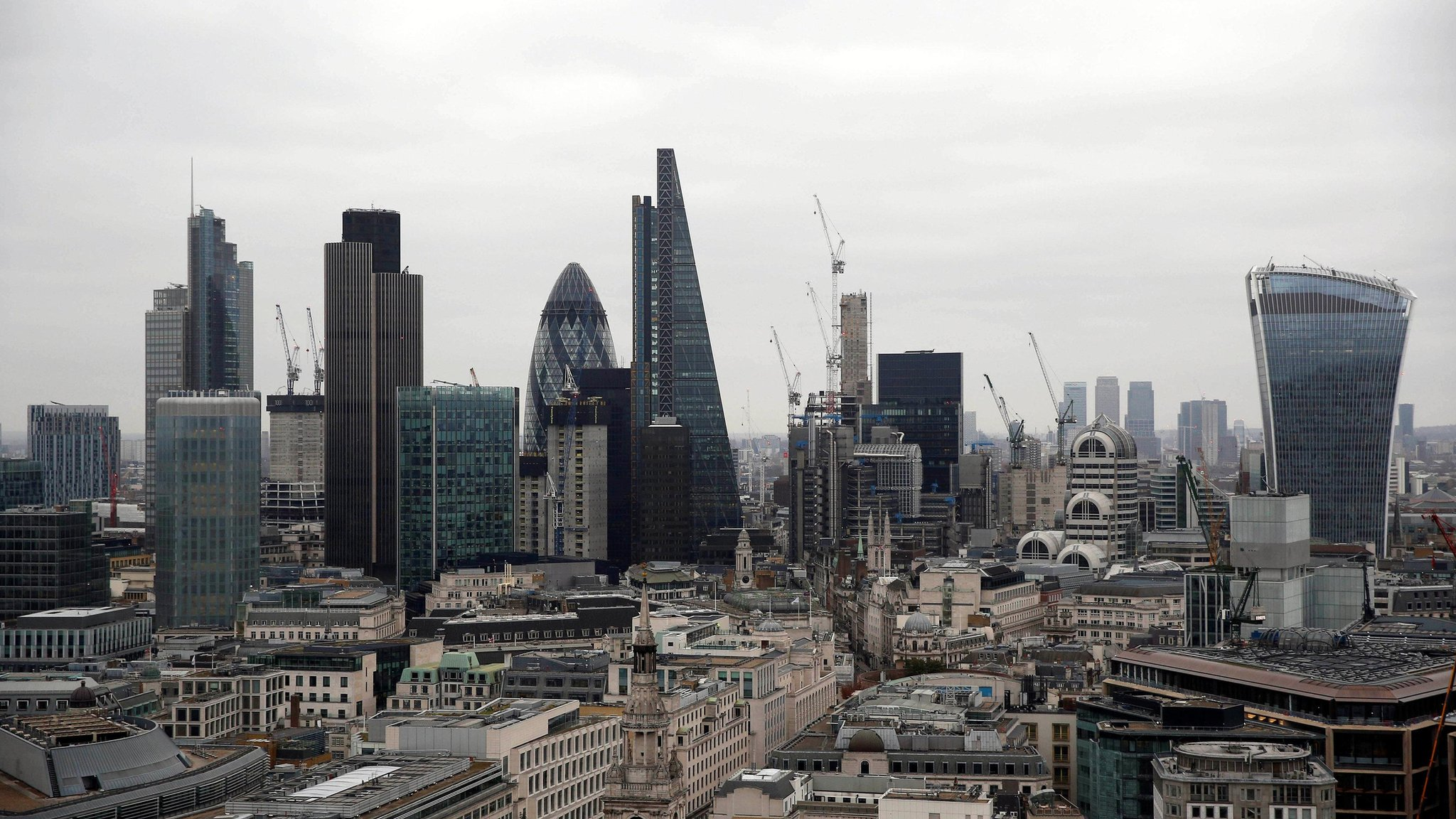 'Fire sale' risk with Bank capital approach, says Vickers