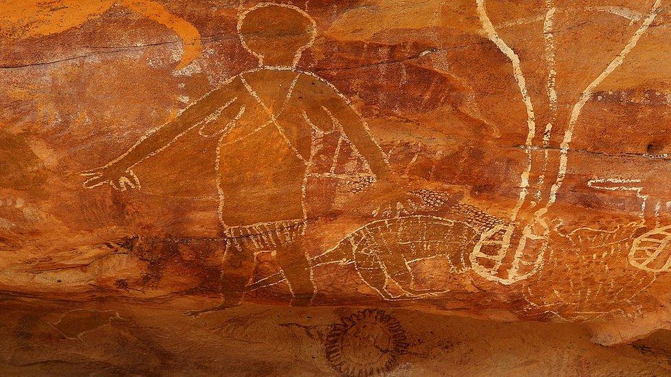 Arte tradicional aborigen en Australia.