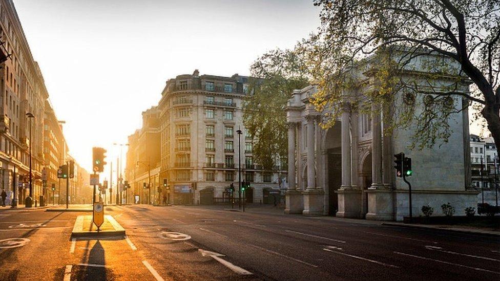 لندن بدت موحشة كمدينة أشباح وقت الإغلاق العام بسبب كورونا