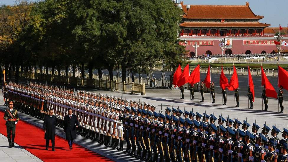 Shinzo Abe y Li Keqiangen Pekín