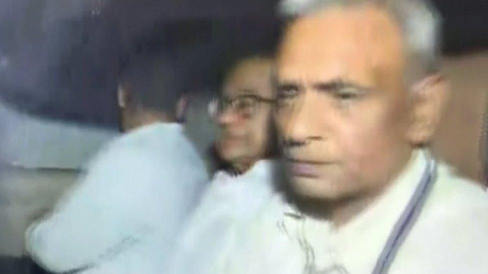 चिदंबरम LIVE: ड्रामे के बाद चिदंबरम को सीबीआई ने गिरफ़्तार किया
