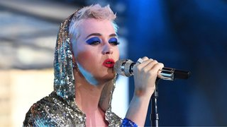 BBC - Newsbeat - Katy Perry criticised over advert telling her dog to 'chase koalas' in Australia