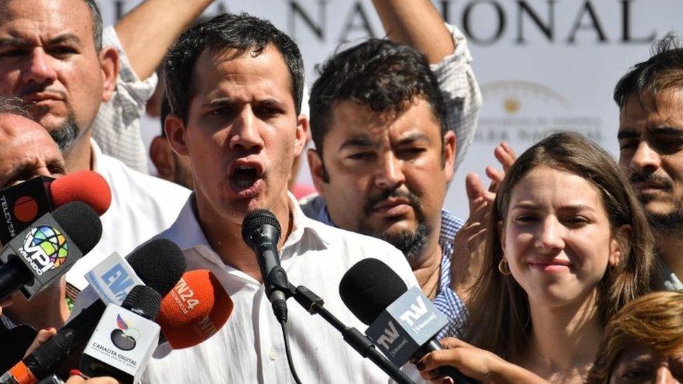 Fabiana Rosales y Juan Guaidó