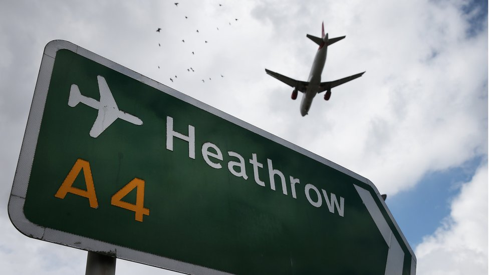 Una avión sobre Heathrow