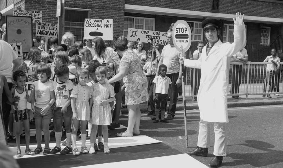1973: Drummer Keith Moon takes part in a road safety campaign in south London