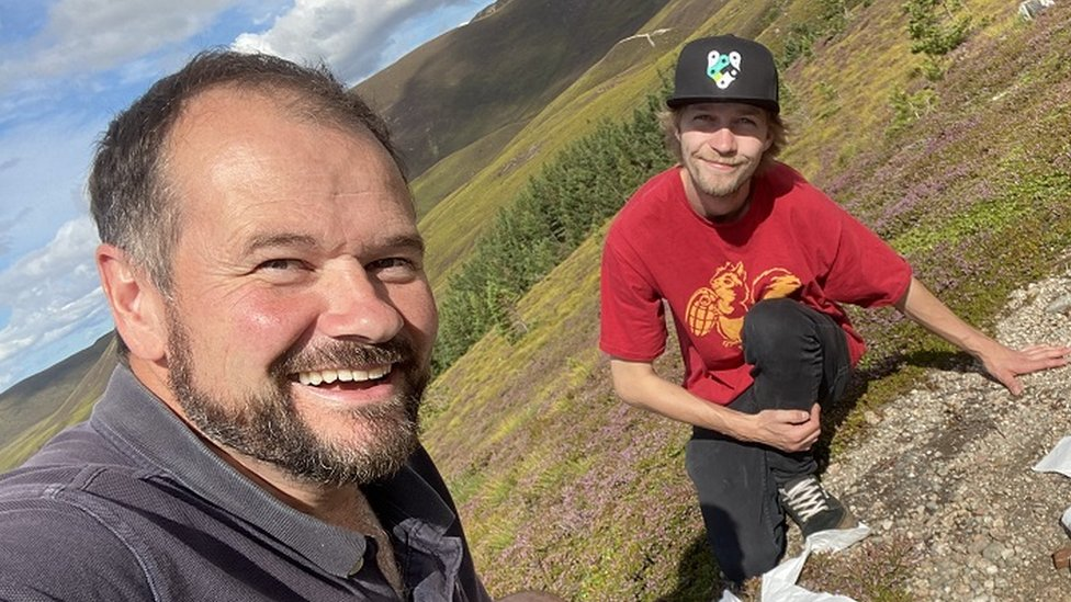 Kirk Watson and Scott Fleming filming in Cairngorms