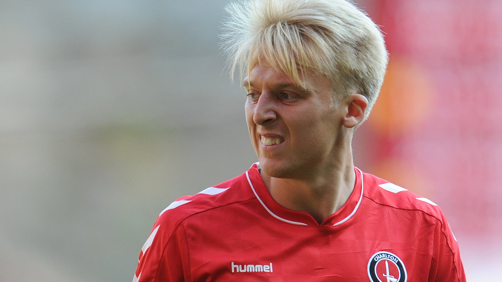 George Lapslie: Charlton Athletic midfielder signs new contract