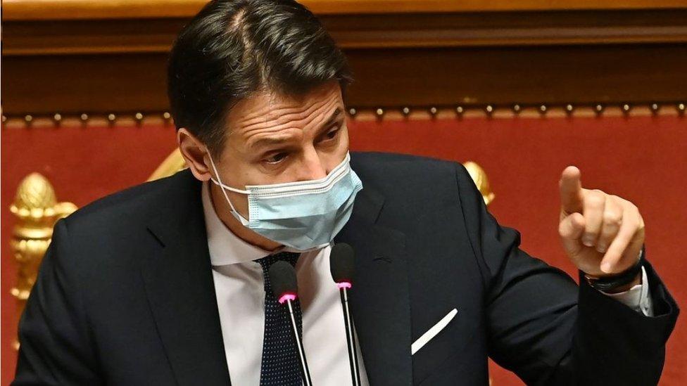 Премьер-министр Италии подал в отставку. На его место нацелился