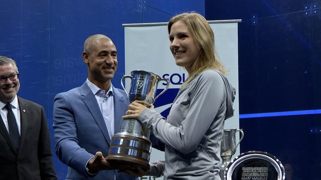 Laura Massaro with the US Open trophy