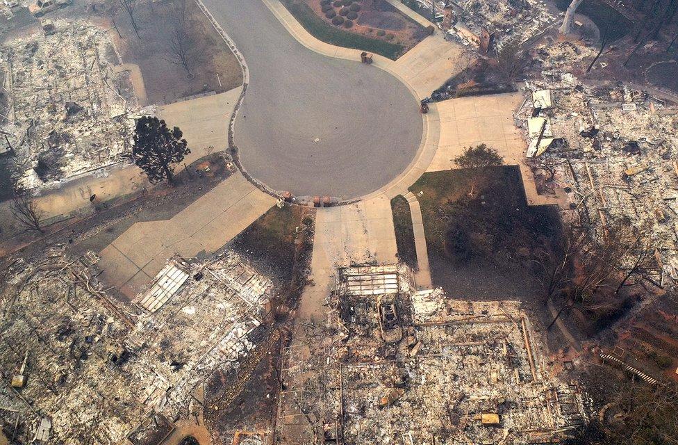 天堂鎮(Paradise)一居民區遭災。