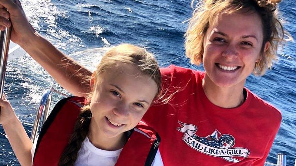Greta Thunberg y Nikki Henderson