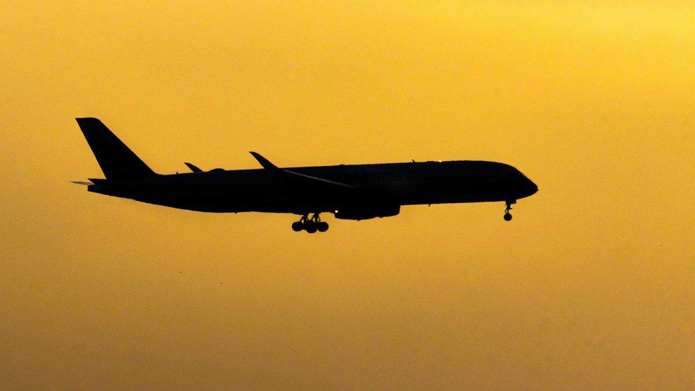 Новое небо: как в России за одну ночь изменилась схема воздушного движения