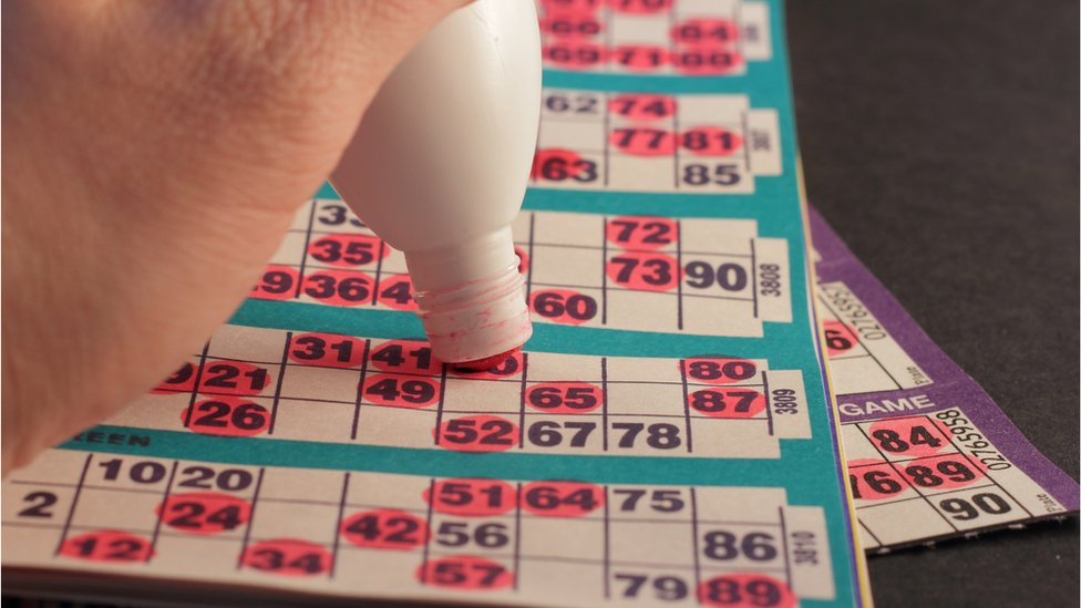 Bingo dabber and cards