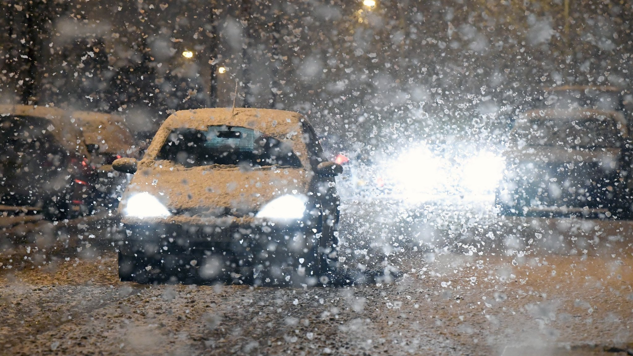 Met Office issues ice warning as snow hits UK