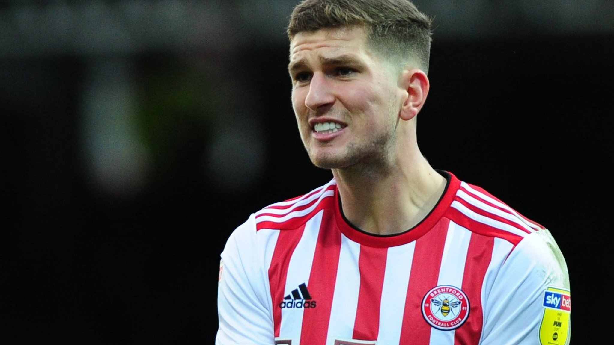 Chris Mepham: Bournemouth close to signing Brentford defender