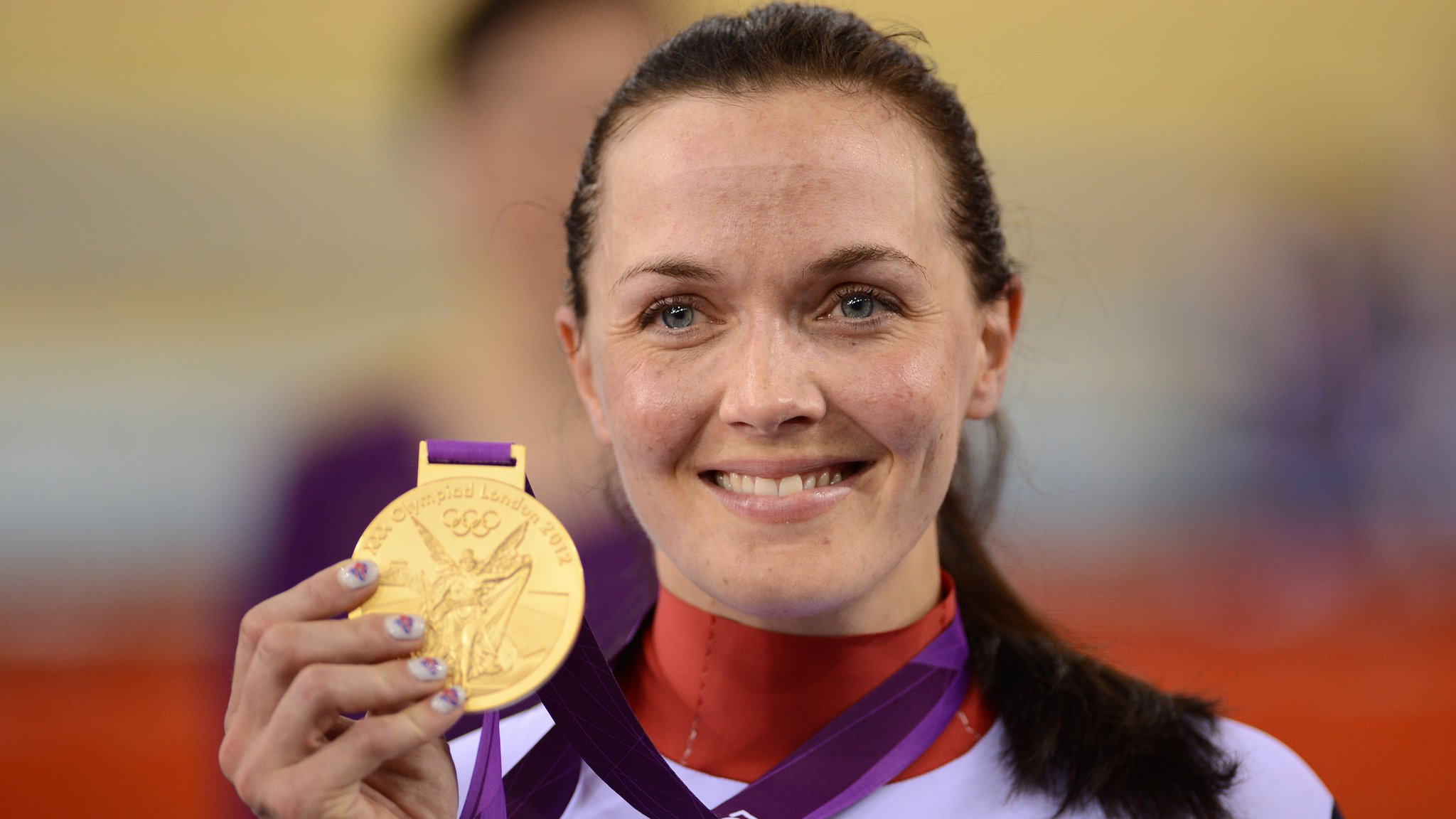 Victoria Pendleton: Olympic champion 'turns corner' after suicide thoughts