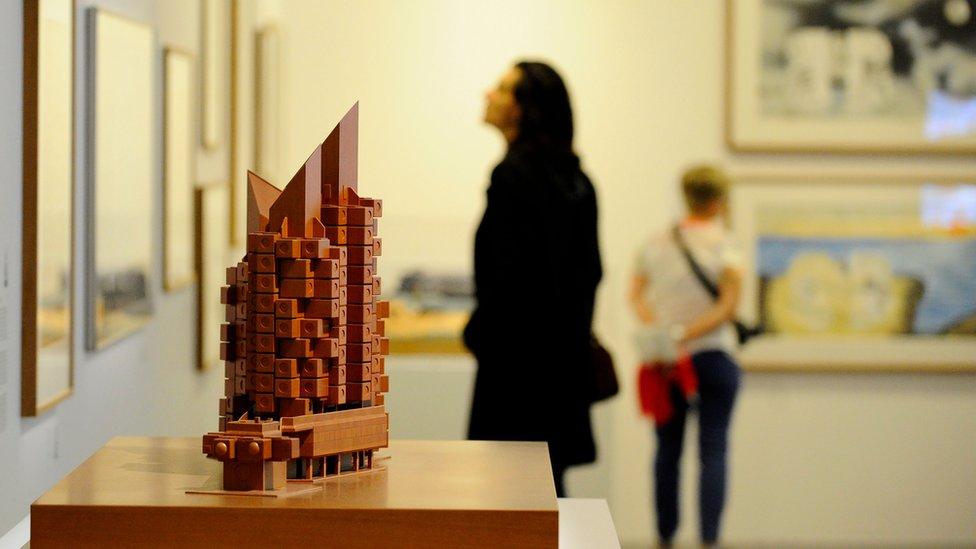 Exposición de arquitectura japonesa en el Pompidou-Metz, Francia.
