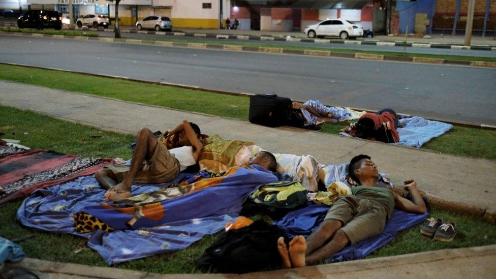 Venezolanos durmiendo en las calles de Boa Vista, el 30 de agosto de 2018
