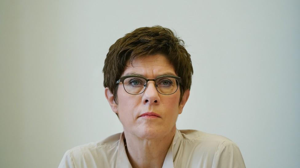 Ministra de Defensa alemana Annegret Kramp-Karrenbauer