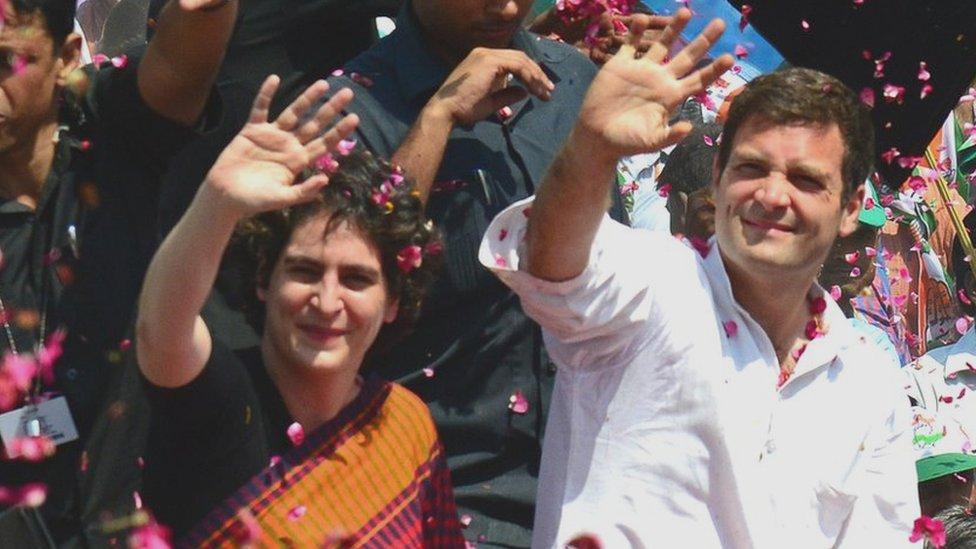 कांग्रेस में 'जान फूंकने' के लिए लखनऊ में प्रियंका गांधी का रोड शो