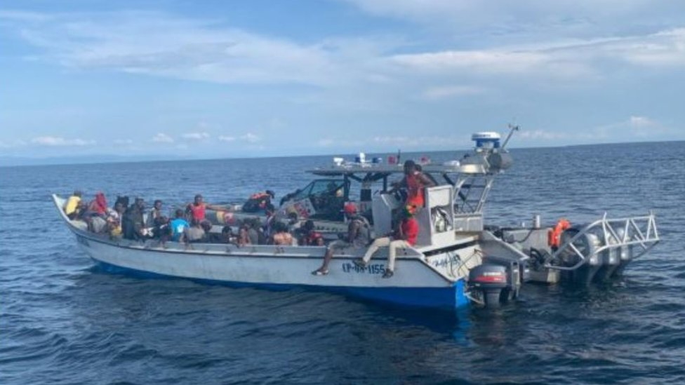 Photo of the Haitian migrants who were rescued by Colombian fishermen