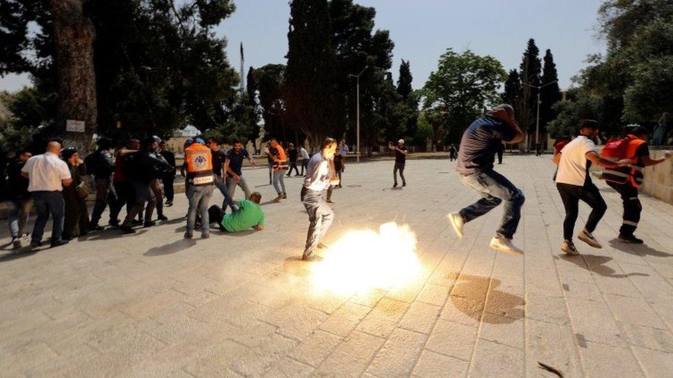 Disturbios alrededor de la mezquita al Aqsa.