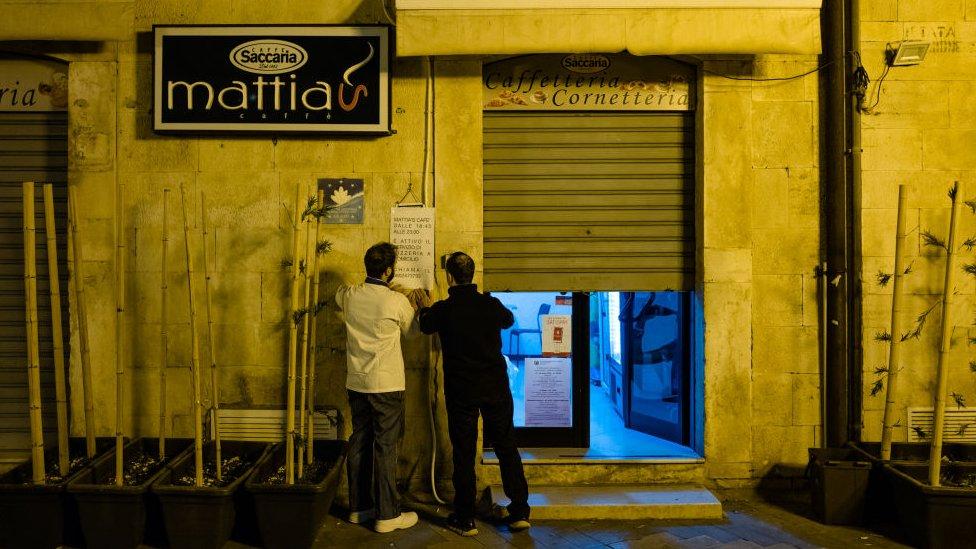 negocio cerrado en italia