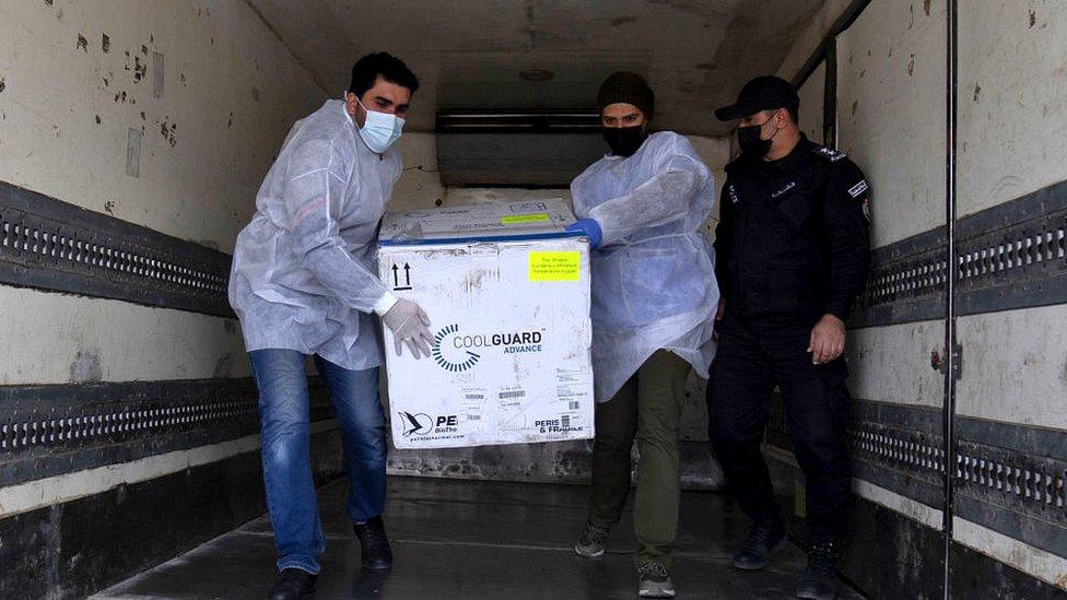 Envío de vacunas a la Franja de Gaza