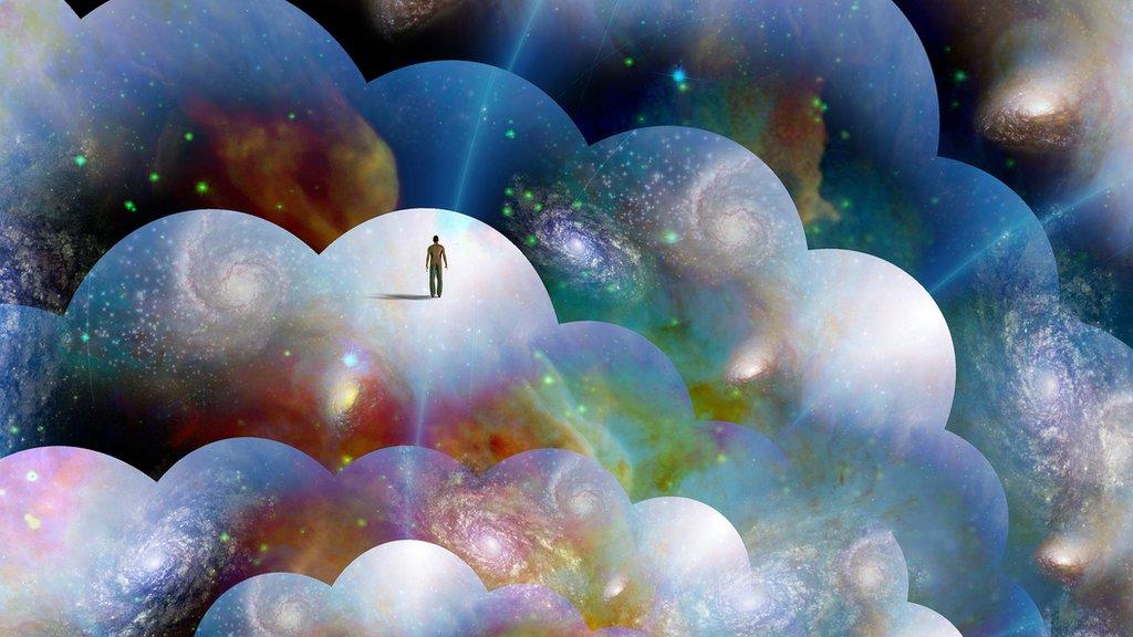 Ilustração de homem minúsculo em um de muitos mundos