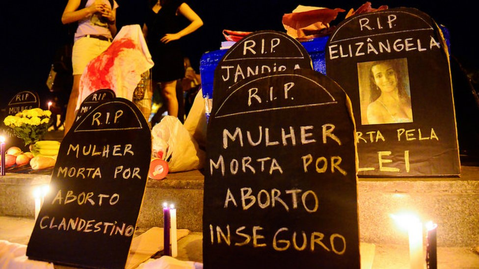 manifestação contra o aborto