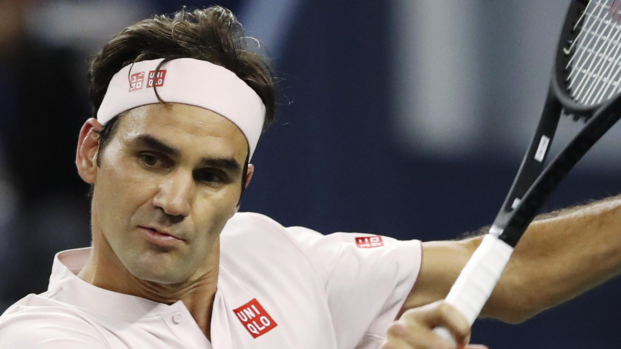 Federer loses as Djokovic reaches Shanghai final