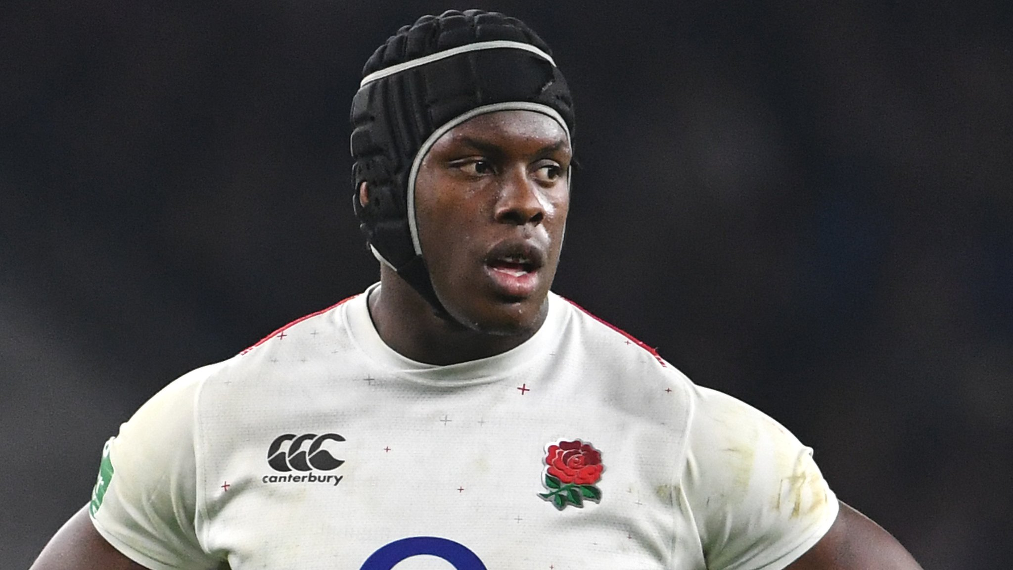 England lock Itoje signs new Saracens deal through to 2022