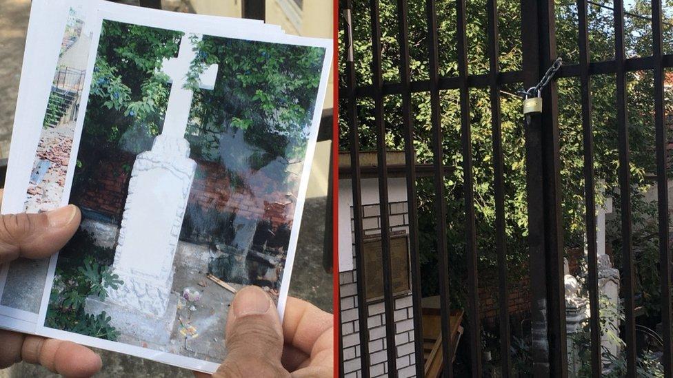 Spomenik palim romskim borcima, spomen ploča i kapela Tetkici Bibiji - pre i posle zatvaranja