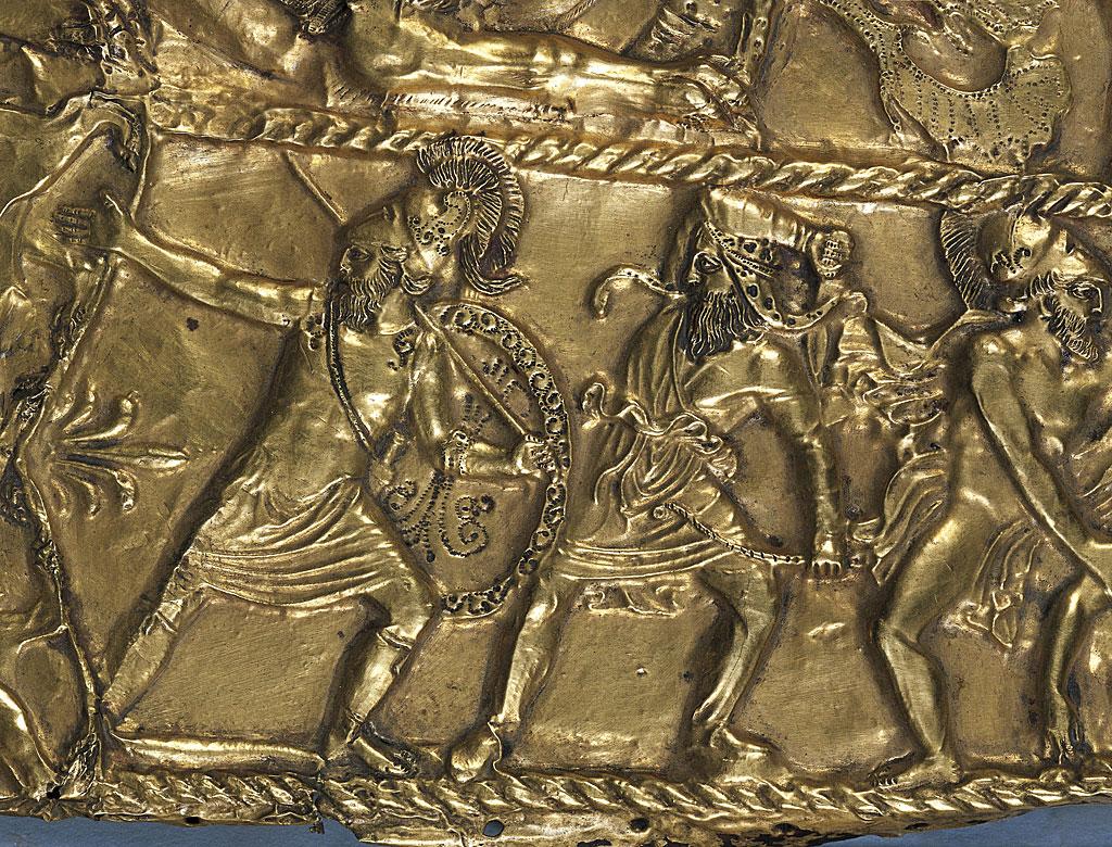 Recubrimiento de un cuchillo o vaina de espada corta, de la región de Dnepropetrovsk, Ucrania. Detalle. Arte de orfebrería. Civilización escita, siglo IV a. C.