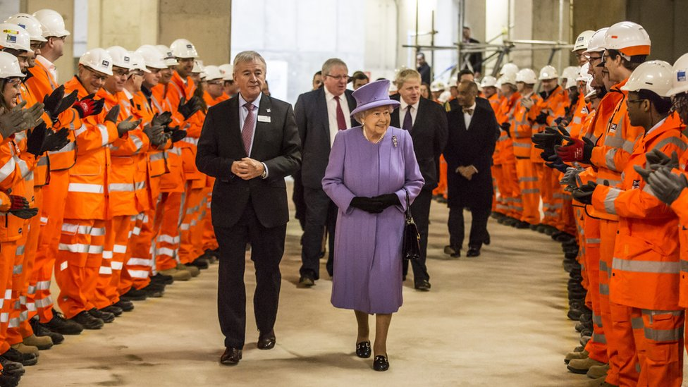 Sir Terry meets the Queen, during her visit to the site of Crossrail's new Bond Street station in 2016