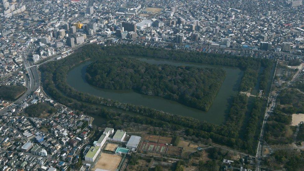 據信這是位於大阪府日本仁德天皇的皇陵