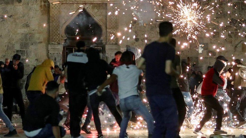 Enfrentamientos entre palestinos y la policía israelí