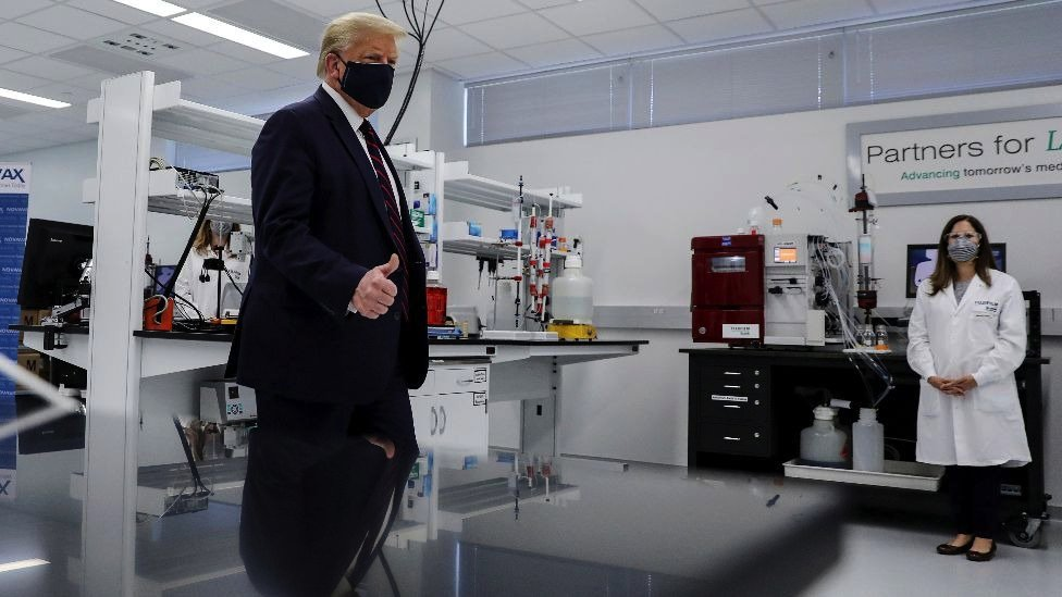 US President Trump visits a pharmaceutical plant developing a vaccine against the Sars-Covid-2 coronavirus in North Carolina, July 2020