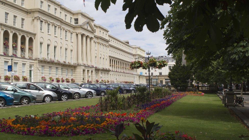 Couple lose car after Cheltenham hospital visit