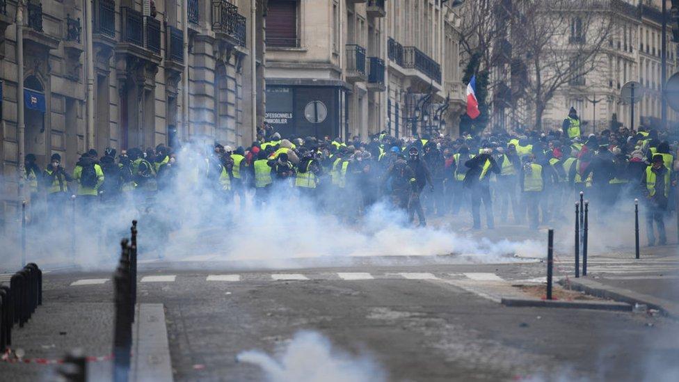 Manifestantes en París