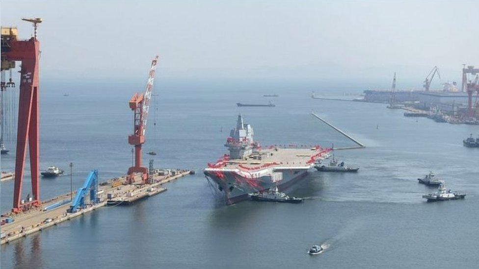 中國第一艘國產航母下水: 將來055萬噸驅逐艦可能作為未來解放軍航母戰鬥群的關鍵組成部分