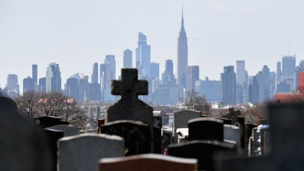 pemakaman di New York
