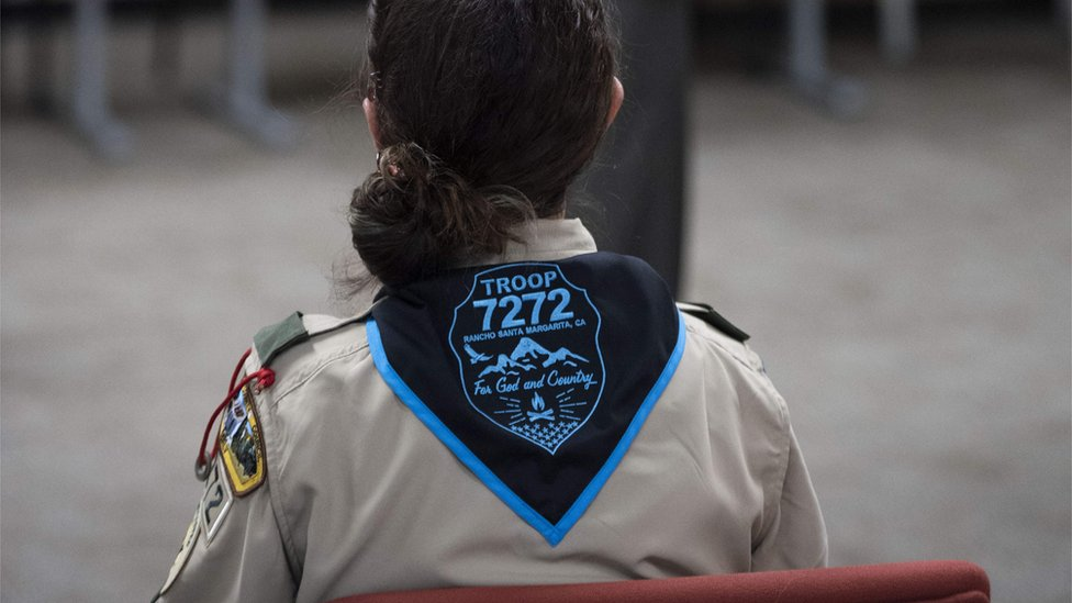 Boy Scouts of America accuse Girl Scouts of starting 'war' thumbnail