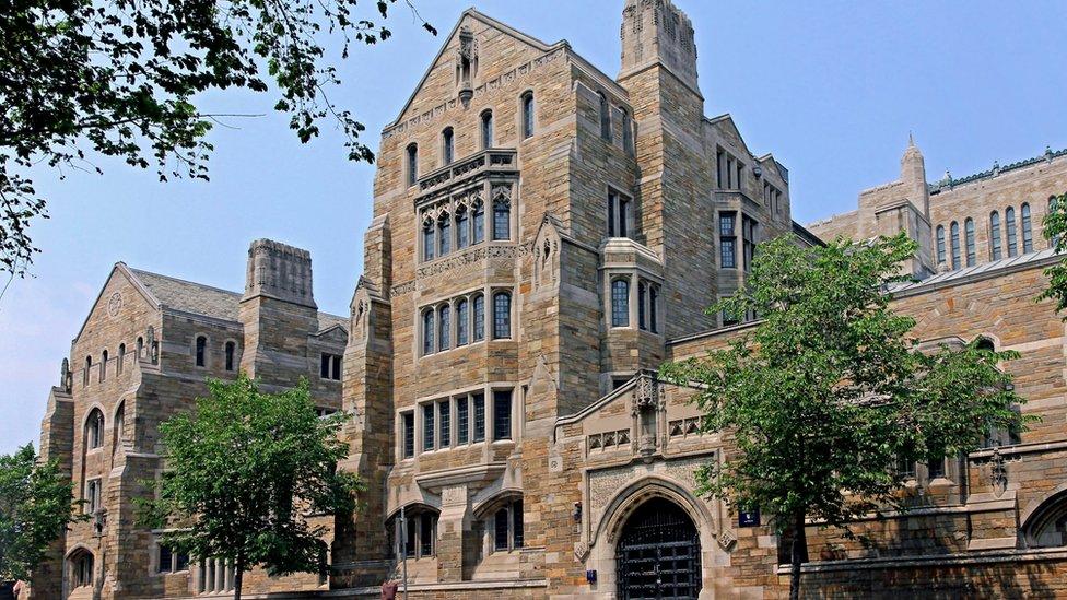 A algunos de los involucrados se les acusa de intentar ingresar se forma fraudulenta a la prestigiosa Universidad de Yale.