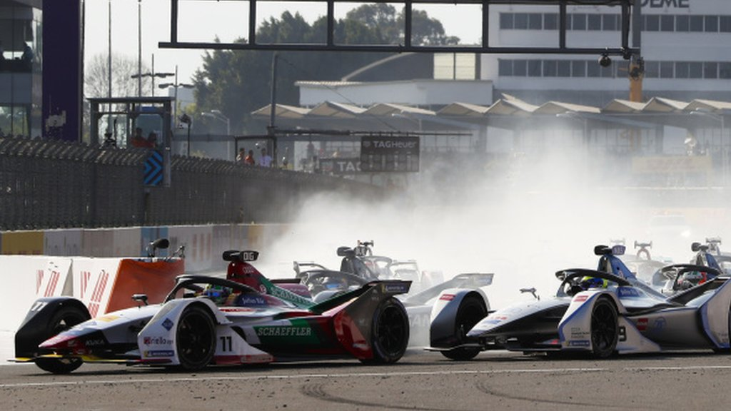 Di Grassi wins with dramatic last-second overtake - report & video