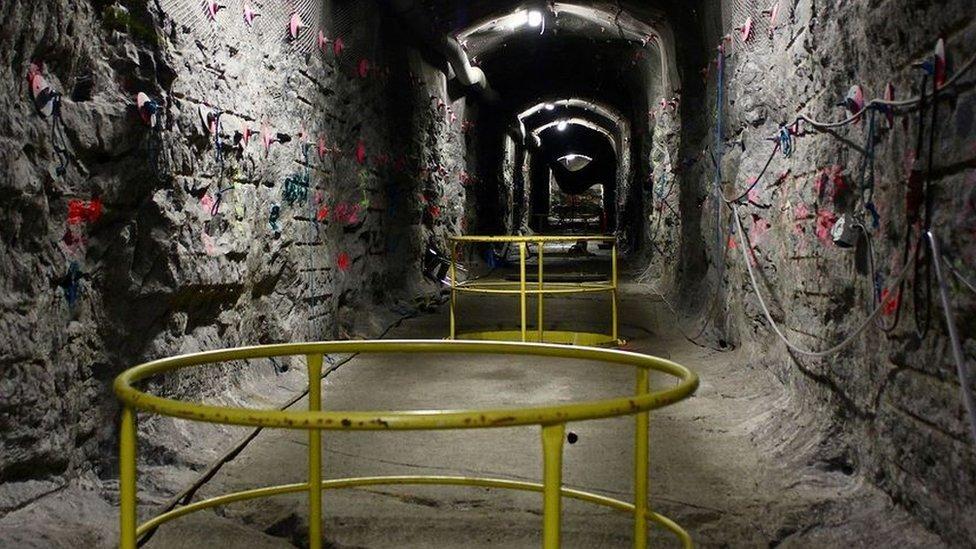 Construcción subterránea para la eliminación de residuos nucleares.